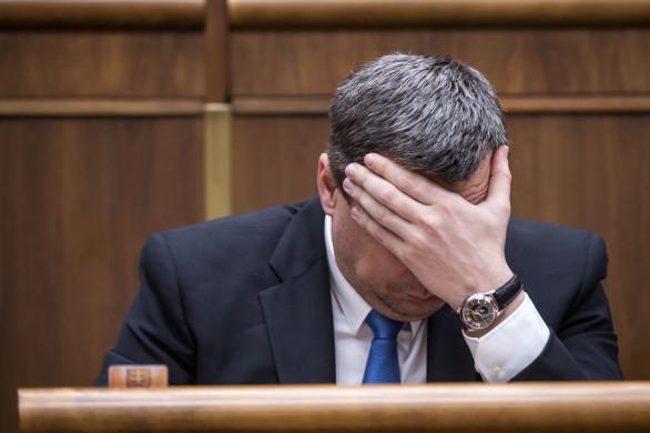 Šéf parlamentu a predseda SNS Andrej Danko doposiaľ nevysvetlil, ako získal titul JUDr. na banskobystrickom práve. Foto N – Tomáš Benedikovič