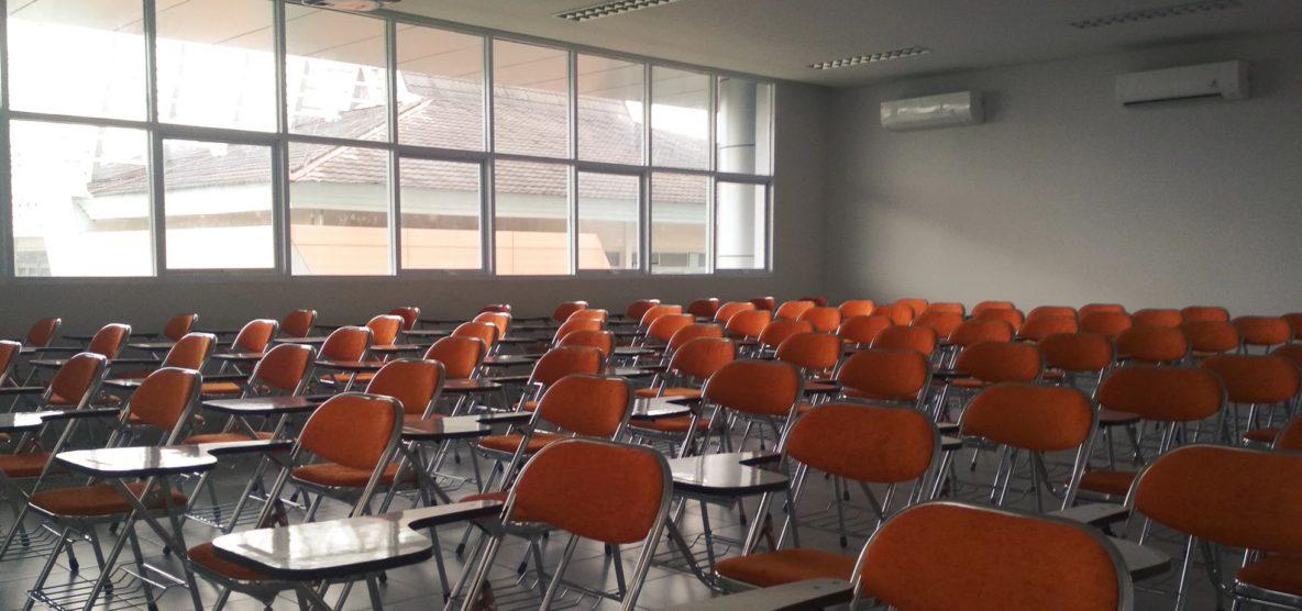 V našich školách budú naďalej chýbať asistenti učiteľov a čoraz viac už aj učitelia   Zdroj: unsplash.com