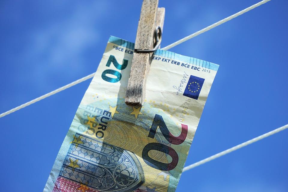 Ministerstvo školstva informovalo, že v budúcom roku bude hospodáriť s väčším balíkom financií. Dôvodom pre navýšenie peňazí v školstve v predvolebnom rozpočte sú najmä sľubované navýšenia platov učiteľov | Foto – pixabay.com