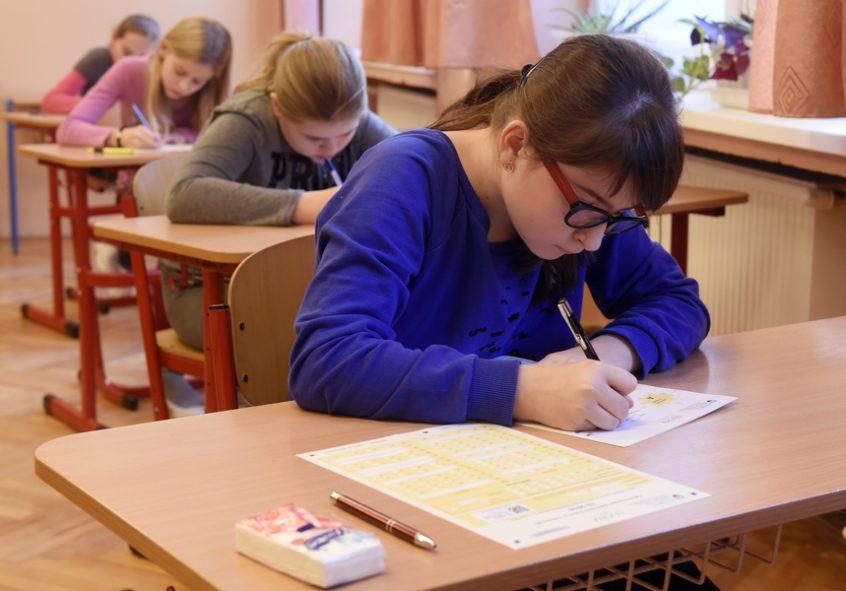 Testovanie 5 potvrdilo, že naše školstvo bez reforiem nedokáže pomôcť žiakom z menej podnetného prostredia naplno využiť svoj individuálny potenciál   Foto – TASR