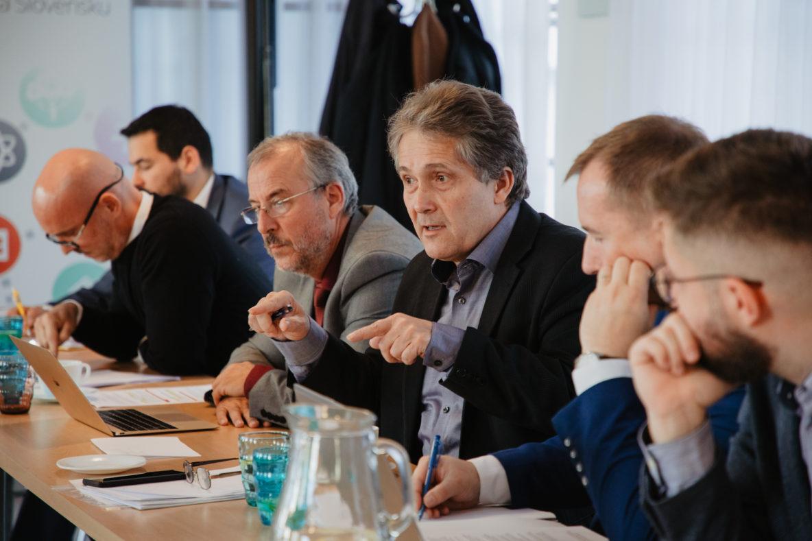 Ľubomír Petrák patril medzi pravidelných hostí našich okrúhlych stolov o vzdelávaní | Foto – Katarína Haršányová pre Nové školstvo